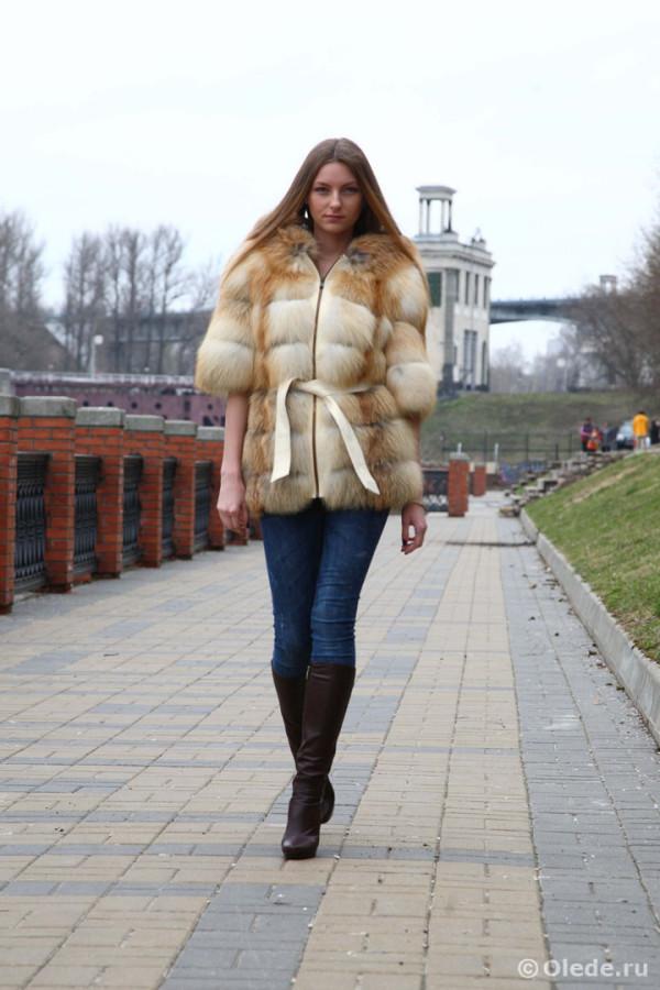 Шуба куртка жилетка рукав три четверти рыжая светлая лиса с капюшоном 3