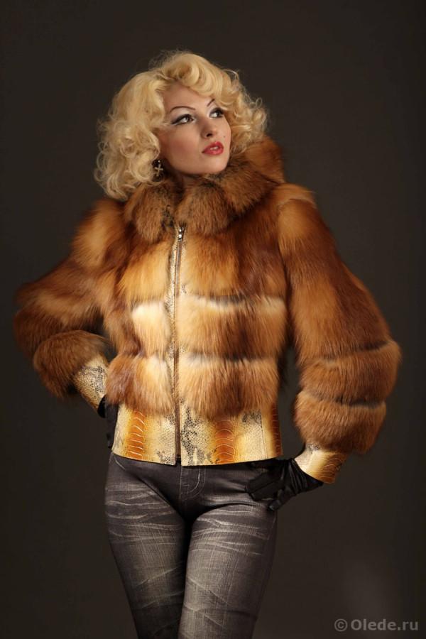 Куртка меховая из финской лисы огневки с кожаной отделкой под питона с капюшоном на молнии (2)