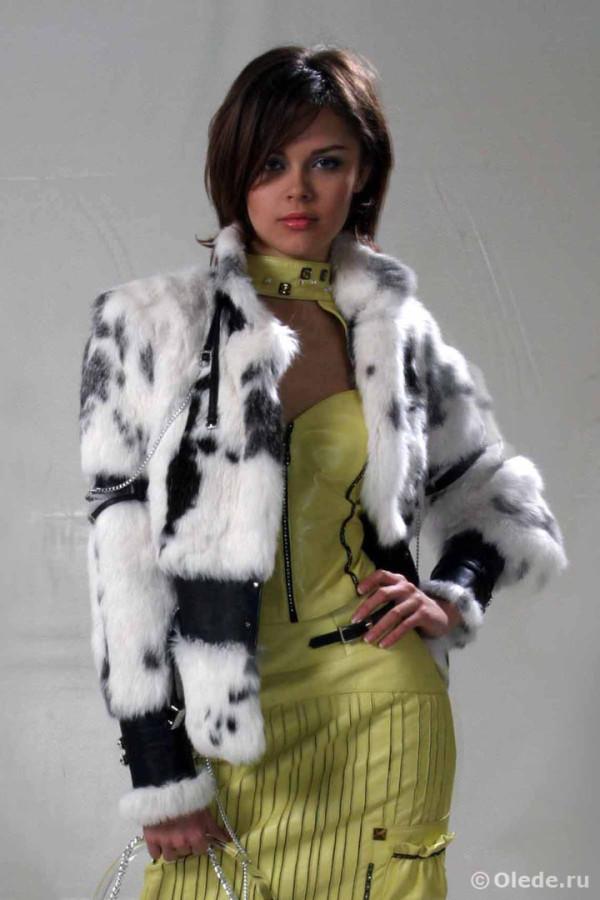 Куртка меховая из кролика с кожаной отделкой и воротником стойкой
