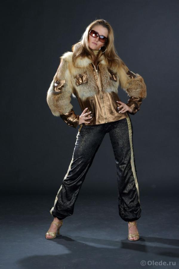 Куртка меховая из рыжей лисы с кожаной отделкой с воротником