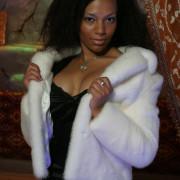 Куртка из белой норки