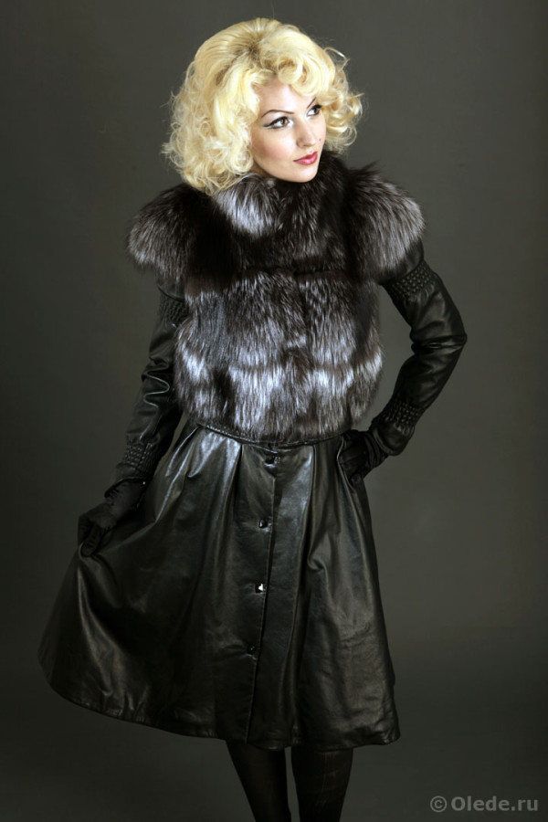 Куртка трансформер кожаная меховой отделкой из серебристо-черной лисы чернобурки