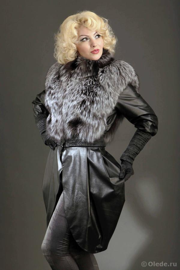 Куртка трансформер кожаная меховой отделкой из серебристо-черной лисы чернобурки с кожаными рукавами и отстегивающейся юбкой 1