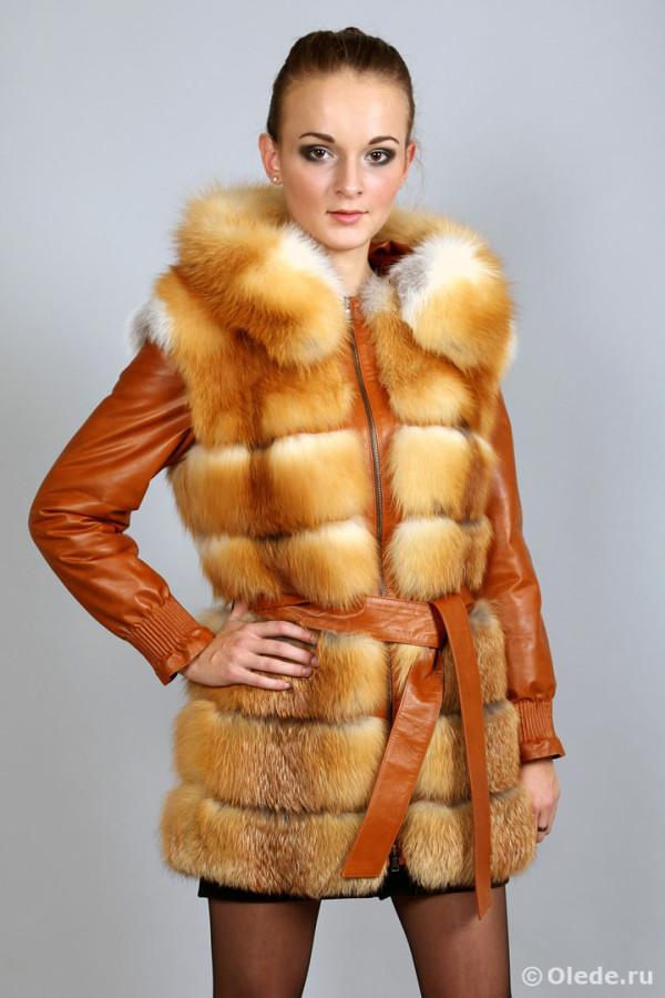 Куртка-жилетка меховая из рыжей лисы с отстегивающимися рукавами удлиненная с капюшоном и поясом (2)